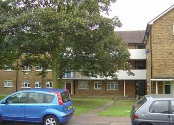 Thumbnail 1 bed flat to rent in Padnall Road, Romford