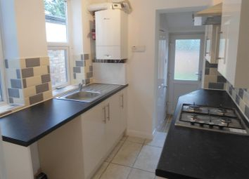 2 bed property to rent in Catherine Street, Rochester ME1