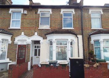 Thumbnail 2 bedroom flat for sale in Rosebery Avenue, London