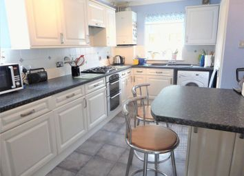 3 bed detached house for sale in Forge Close, Chalton, Luton LU4