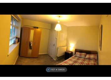 Room to rent in Birdsall House, London SE5
