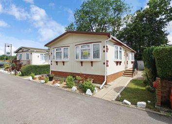 Thumbnail 2 bed mobile/park home for sale in Hillcrest Caravan Site, Manor Road, Woodside, Luton