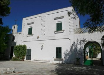 Thumbnail 7 bed villa for sale in Oria, 72024, Italy