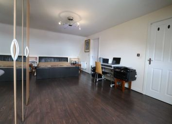 Room to rent in Room 4, Saxthorpe Road, Hamilton LE5