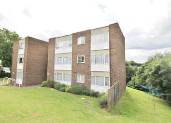 Thumbnail Flat to rent in Hillside, Hoddesdon, Hertfordshire