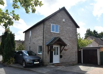 Thumbnail 3 bed detached house for sale in Sarisbury Close, Tadley, Hampshire