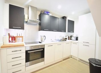 Thumbnail 4 bed flat to rent in Milestone House, Old Kent Road