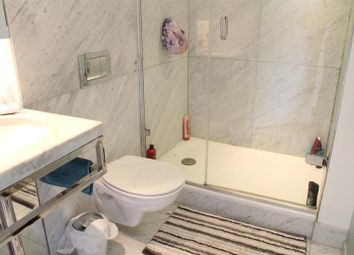 Thumbnail 2 bed property to rent in Fairmont Avenue, London