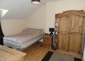 Thumbnail Room to rent in Dogsthorpe Road, City Centre, Peterborough