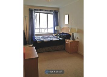 Thumbnail 1 bed flat to rent in Abbey Square, Reading