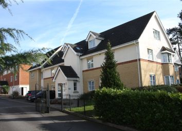 Thumbnail 2 bed flat to rent in Avenue Heights, Basingstoke Road, Reading, Berkshire