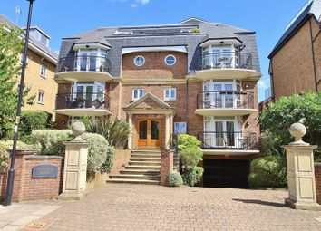 2 bed flat for sale in Crescent Road, Enfield EN2