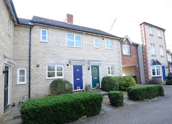 2 bed terraced house to rent in Redwing Close, Bicester OX26