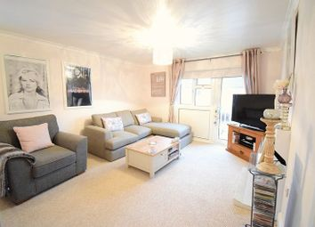 Thumbnail 1 bedroom flat for sale in Wedhey, Harlow