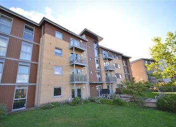 Thumbnail 2 bed flat for sale in Kelvin Gate, Bracknell, Berkshire