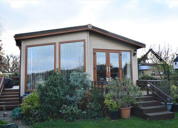 Thumbnail 2 bed mobile/park home for sale in Nutbourne Park, Nutbourne, Chichester