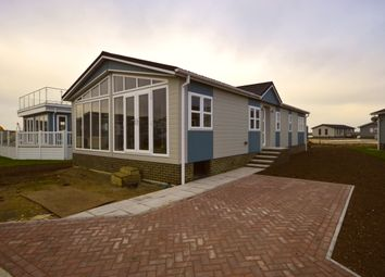 Peninsula Crescent, Hoo, Rochester, Kent ME3. 2 bed mobile/park home for sale