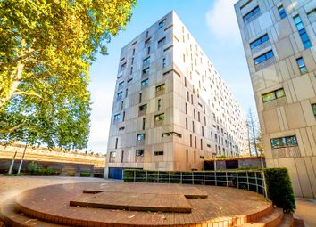 Thumbnail 1 bed flat for sale in Gatliff Road, Chelsea, London