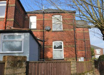 Thumbnail 1 bed flat to rent in 34 Mill Hill Road, Cowes