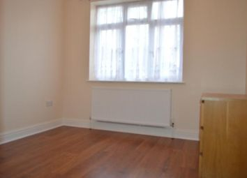 Thumbnail Room to rent in Cadagan Gardens, Finchley, London