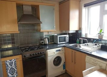 2 bed maisonette to rent in Langdon Court, City Road, London EC1V