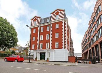 Thumbnail 2 bed flat to rent in Harewood Avenue, London