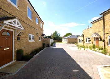 Thumbnail 2 bedroom flat to rent in Hook Road, Chessington