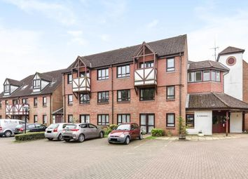 Thumbnail 2 bed flat to rent in King George V Road, Amersham