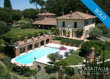 Thumbnail 6 bed villa for sale in Casamaggiore, Umbria, It