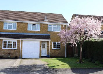 3 bed end terrace house for sale in Orchard End Avenue, Amersham HP7