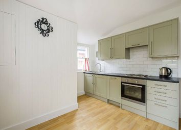 2 bed maisonette to rent in Fernthorpe Road, London SW16