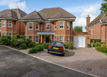 Thumbnail 4 bedroom detached house for sale in Glynswood Place, Northwood