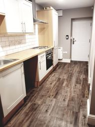 Thumbnail 1 bed flat to rent in Flat 7, Warwick House, Avenue Road