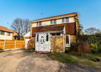 4 bed link-detached house for sale in Pittfields, Langdon Hills SS16