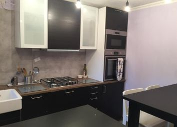 Thumbnail 2 bed flat to rent in Gosling Way, London