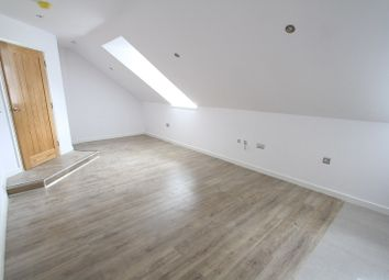 Thumbnail 2 bed flat to rent in West Bar Street, Banbury