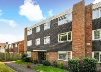 Thumbnail 2 bedroom flat to rent in Malvern Court, Langley