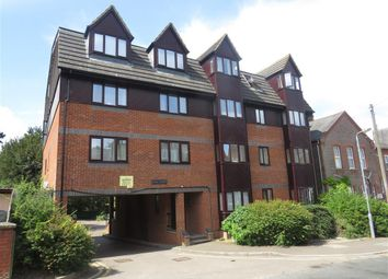 Thumbnail 2 bed flat to rent in Alexandra Road, Hemel Hempstead