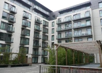 Thumbnail 1 bed flat to rent in High Street, Slough, Berkshire.