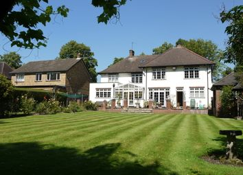 Thumbnail 5 bed detached house to rent in The Avenue, Pinner