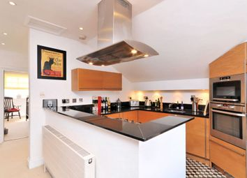 Thumbnail 2 bed flat to rent in Upper Richmond Road West, Barnes