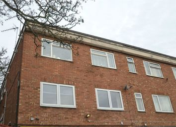 Thumbnail 2 bed flat for sale in Hythe Hill, Colchester, Essex