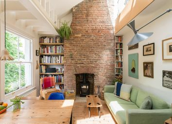 Thumbnail 2 bed maisonette for sale in Darnley Road, London