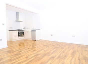 Thumbnail Studio to rent in Pembroke Road, Seven Kings, Ilford