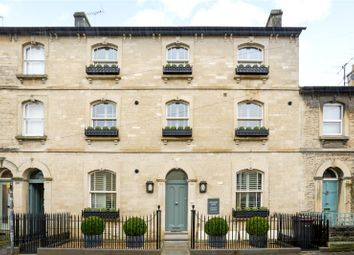 1 bed property to rent in Queen Street, Cirencester, Gloucestershire GL7