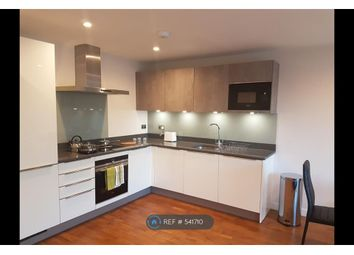 2 bed flat to rent in London, London SW4