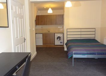 Beatrice Street, Swindon SN2. 1 bed flat