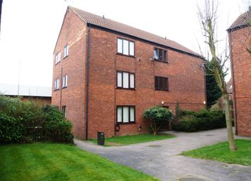 Thumbnail 1 bedroom flat for sale in Chilworth Gate, Silverfield, Broxbourne