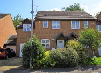 Thumbnail 3 bed property to rent in Dunsford Close, Swindon