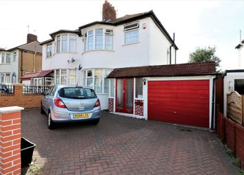 3 bed property for sale in Dovedale Avenue, Ilford IG5